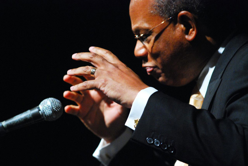 Rev-Butts-Conducting-at-Abyssinian
