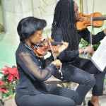 Violinists for Handel's Messiah